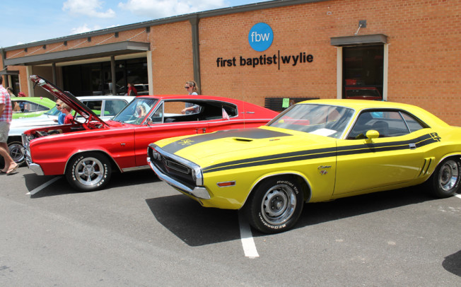 Show cars shine on Ballard