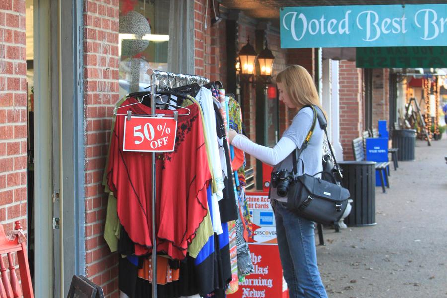 Downtown Shopping Spree begins Nov. 25