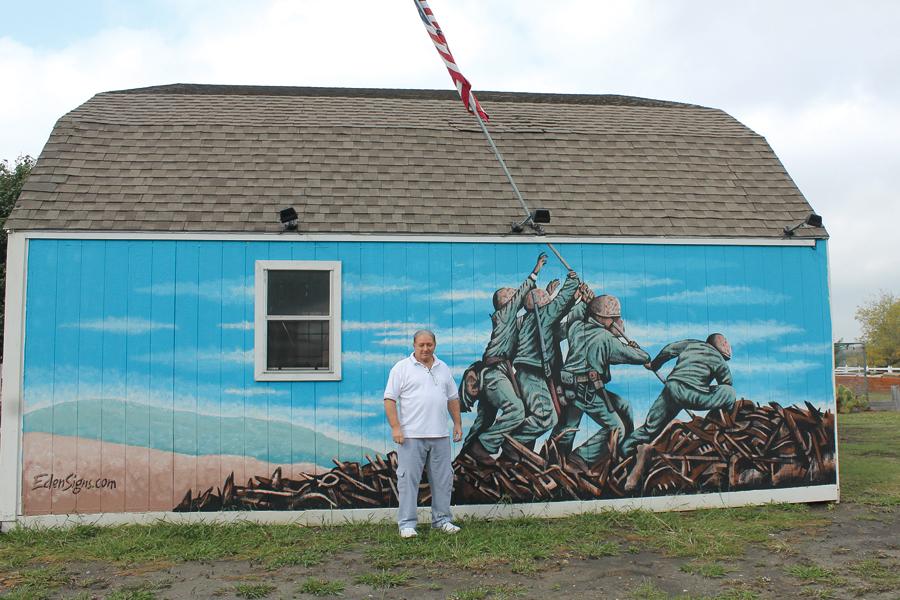 Mural honors Marines