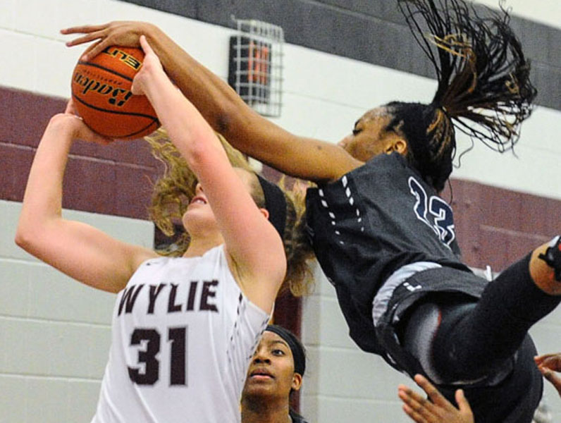 East girls top Wylie in first 10-5A encounter