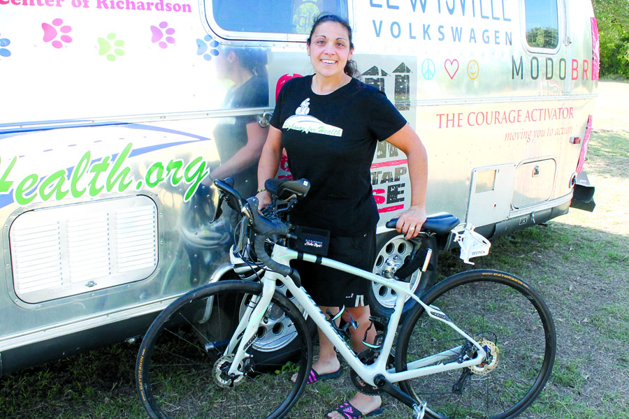 Cyclist completes Route 66 ride in record time