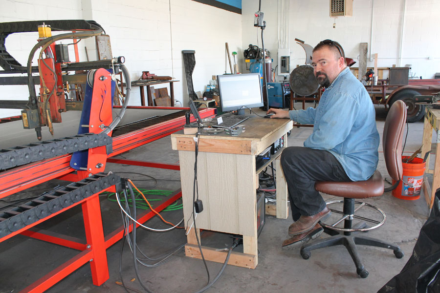 New metal art shop creates custom pieces