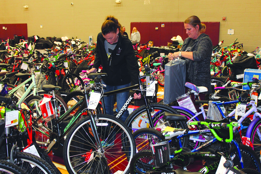 Wylie Way Christmas benefits almost 1,000