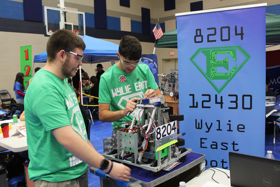 WEHS hosts robotics meet