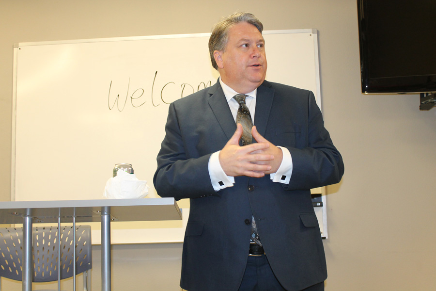 Mayor answers questions for downtown merchants