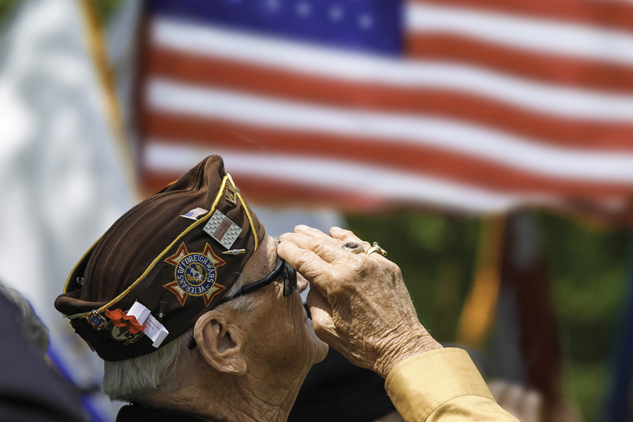 Veteran photo deadline nears
