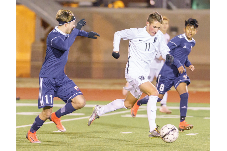 Pirates defeated in 10-6A opener