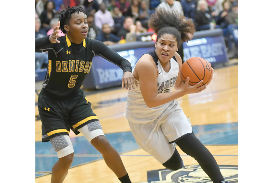 Lady Raiders perfect in district