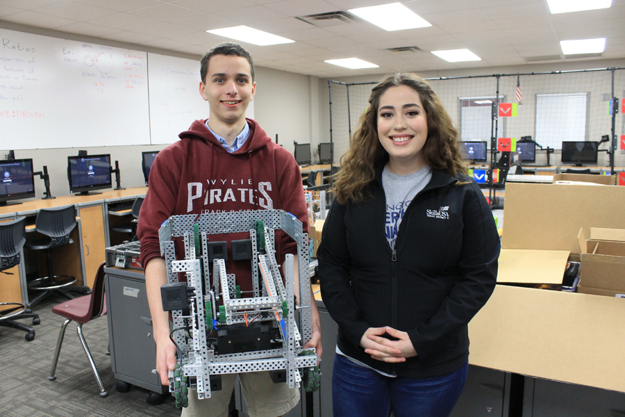 Video: WHS students head to robotics competition
