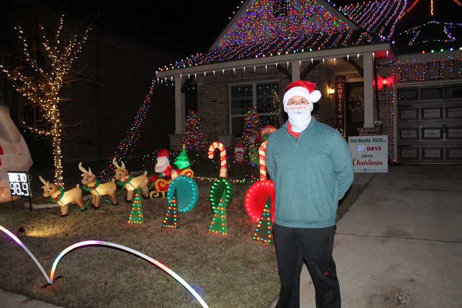 Resident makes mark with Christmas décor, lights