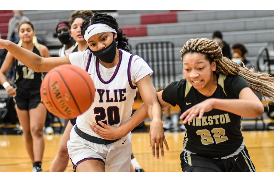 Lady Pirates basketball suffer first district loss