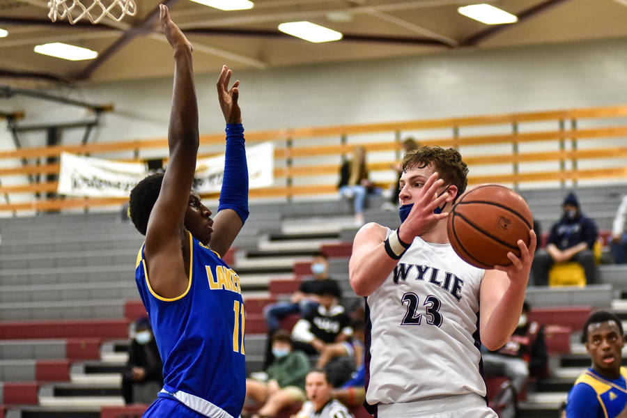 Wylie drops out of first place