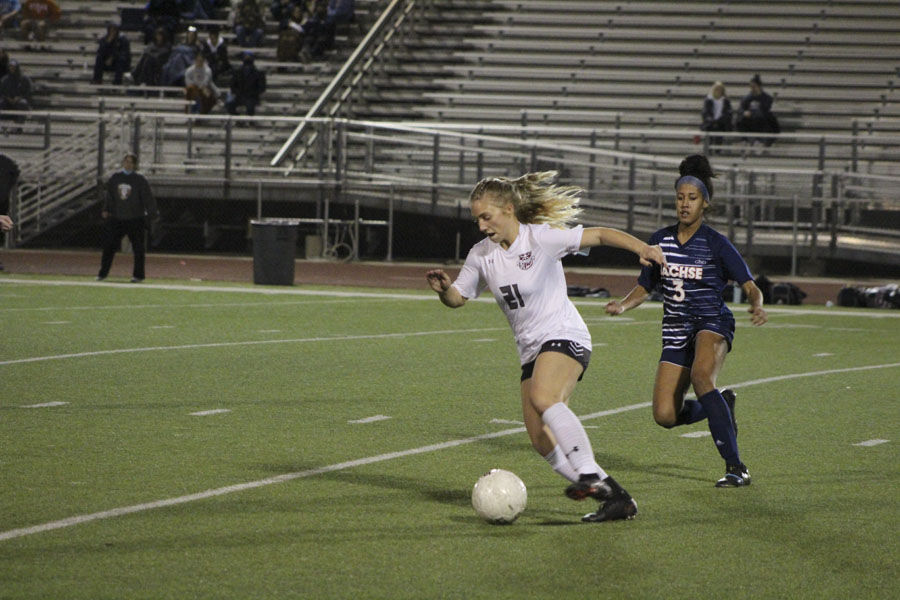 Lady Pirates lose first district game, remain in first place