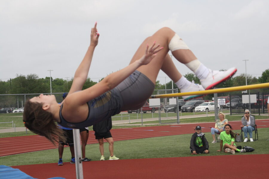 Community Bulletin: Nine Braves qualify for area track and field meet